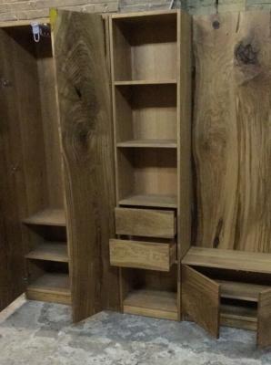 Шкаф с ящиками и полками в прихожую