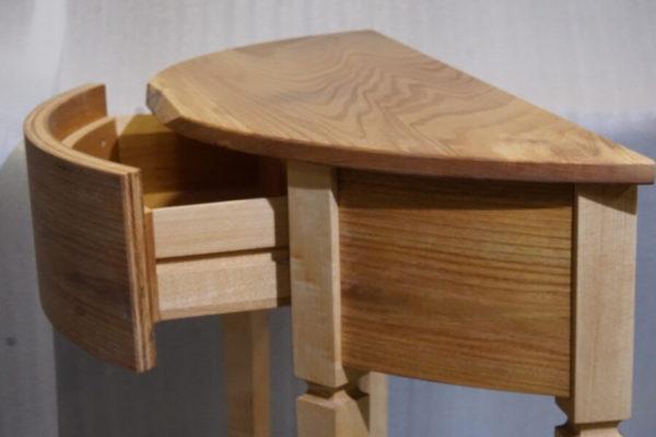 Столик из карагача с ящиками